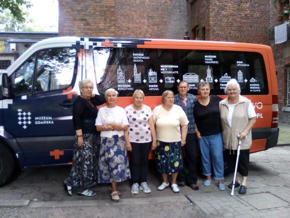 Seniorzy witają w Domu Sąsiedzkim na Osieku projekt MUZEUM DO DOMU